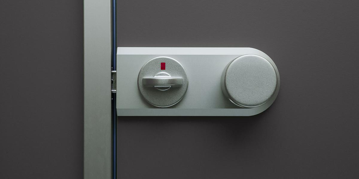 kemmlit sanit reinrichtungen cronus trennwand f r nassr ume aus 13 mm hpl. Black Bedroom Furniture Sets. Home Design Ideas