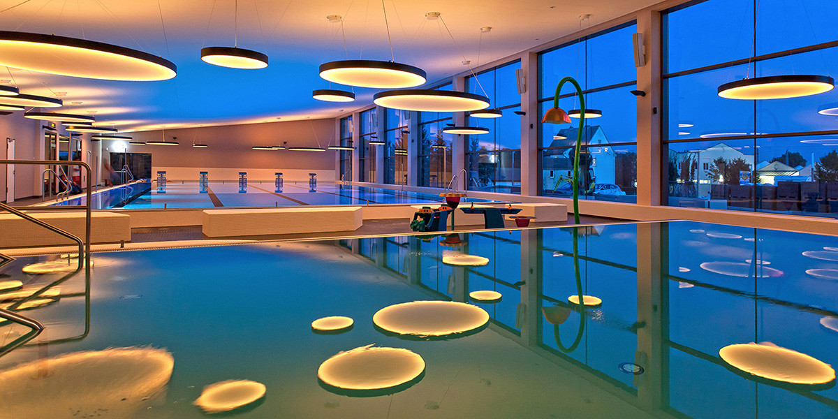 Kemmlit sanit reinrichtungen indoor pool for Pool design dessau